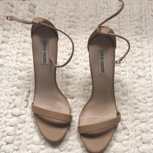 Steve Madden Stecy neutral strappy heel.
